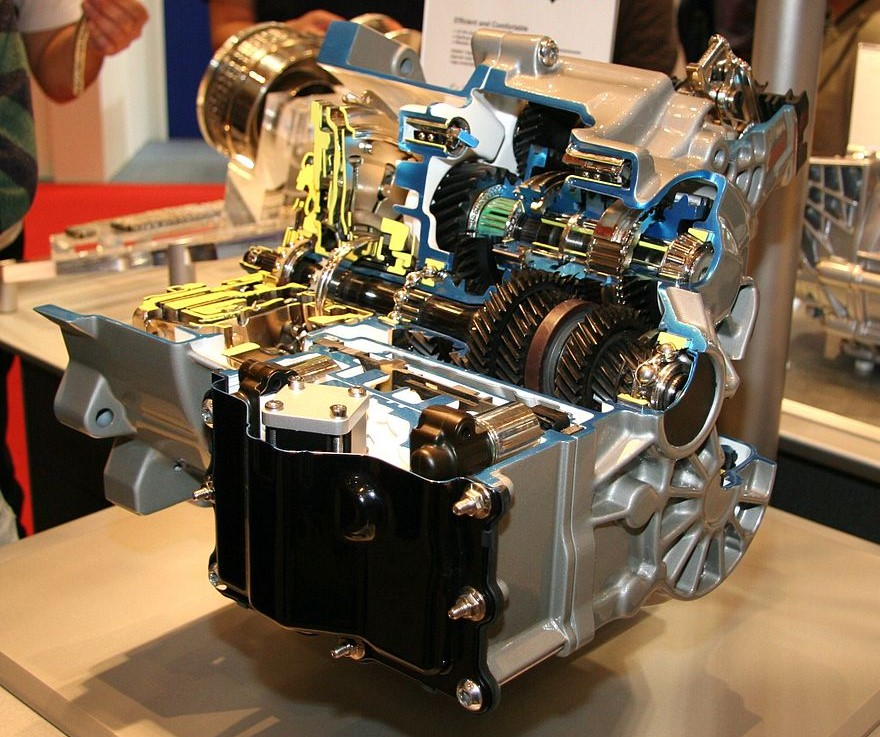 Cutaway of a Volkswagen dual-clutch transmission with a dry-clutch