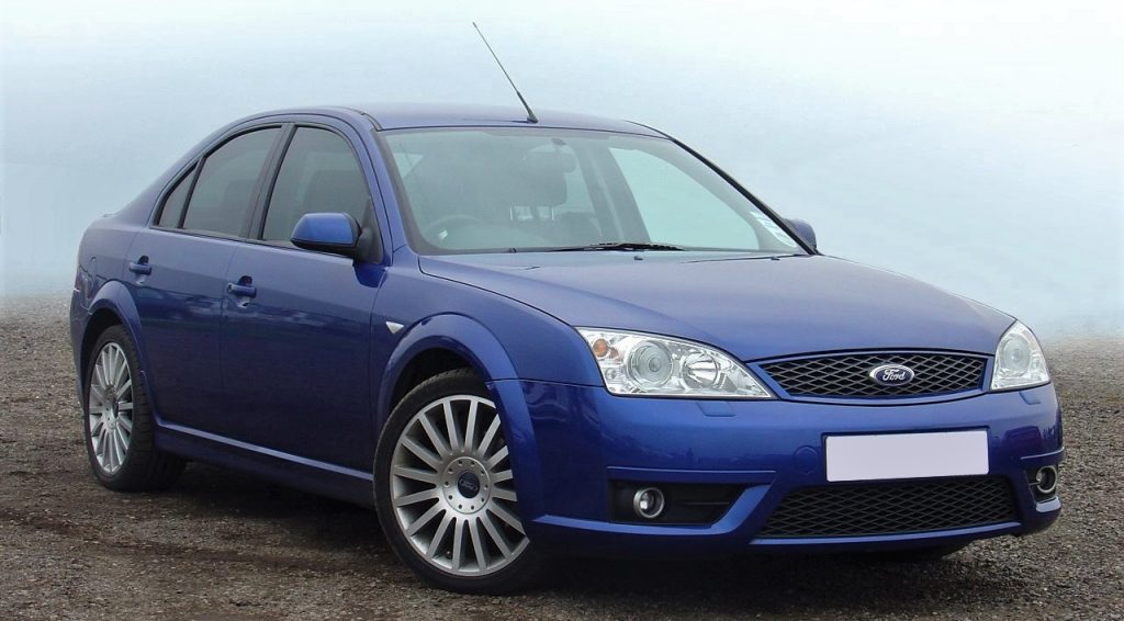 Used, blue Ford Mondeo ST (Mk3) on OEM alloy wheels.